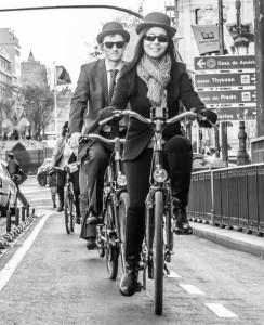 bicis bw calle